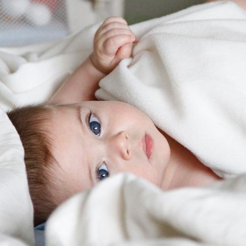 Baby, kind, wakker, slaapt niet, slaapproblemen